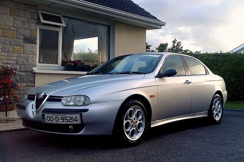 Alfa Romeo 156 car model in driveway